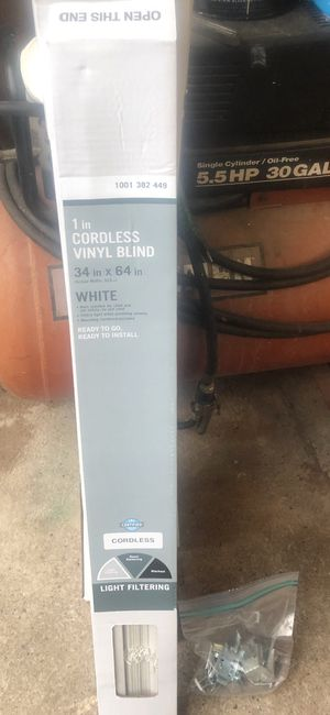 FREE MINI BLINDS for Sale in North Haven, CT