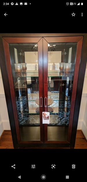 Lighted China Cabinet with lighted matching Hutch for Sale for sale  Atlanta, GA