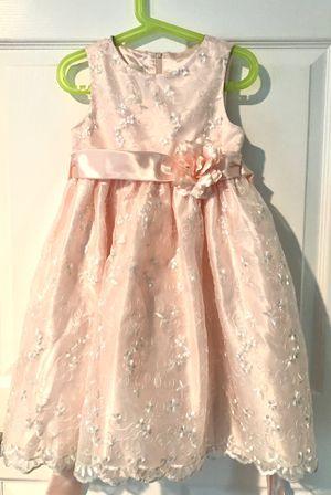 Beautiful flower girl pink dress size 6 for Sale in Bellevue, WA