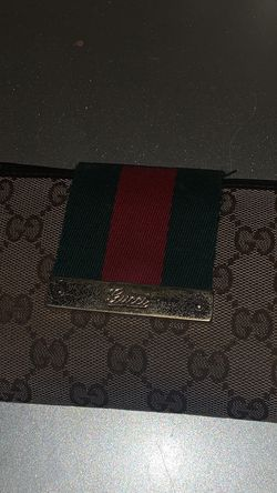 Used Vintage Gucci Wallet for Sale in Aldie,  VA