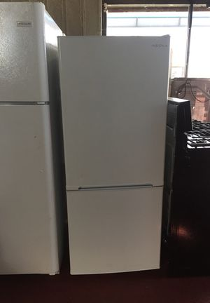"24"" fridge bottom freezer !!! for Sale in Jersey City, NJ"