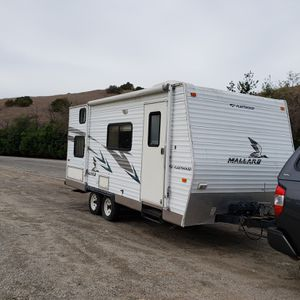 2006 travel trailer, Fleetwood mallard for Sale in Baldwin Park, CA