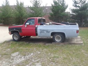 Parts still left off of my 1986 C10 Chevy 2 wheel drive pickup in Akron Ohio for Sale in Akron, OH