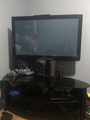 Panasonic Tv and stand for Sale in Hyattsville, MD