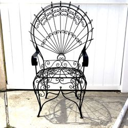 Rare John Salterini Vintage Cast Iron Wrought Iron Peacock Chair Patio Porch Mid Century MCM Garden - Baby Shower Bridal Wedding Victorian for Sale in Lakewood,  CA