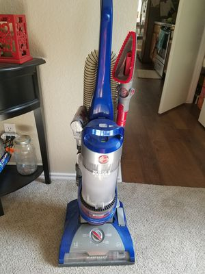 Hoover vacuum for Sale in Niederwald, TX