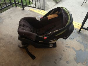 Semi used graco car seat with base . for Sale in Dallas, TX