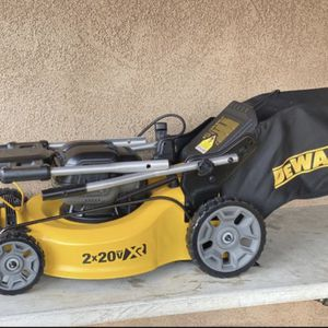 DEWALT 20 in. 20V MAX Lithium-Ion Cordless Walk Behind Push Lawn Mower (TOOL-ONLY) for Sale in Bakersfield, CA