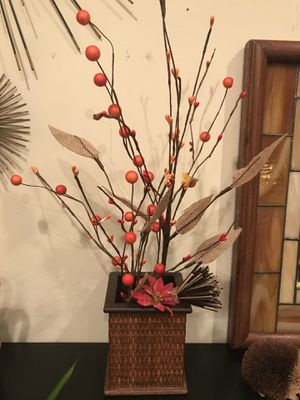Decorative vase with flowers for Sale in Garden Grove, CA