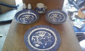 13 pice china set for Sale in Petersburg, VA