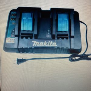 Mikita DC18RD 18V Dual Radid Charger for Sale in The Bronx, NY