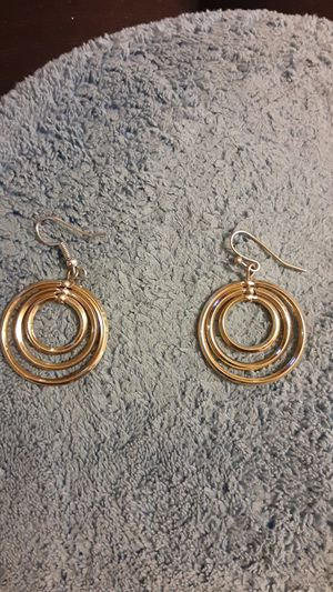 gold tone earrings for Sale in Richland, WA
