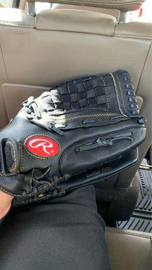 Rawlings glove for Sale in Hialeah, FL
