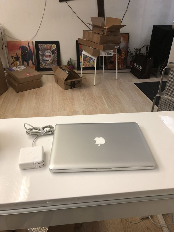 Apple MacBook Pro Like New, CS6, Final CutX, Logic X, Reason, Office