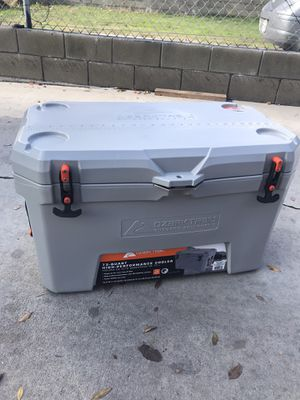 Ozark Trail 73qt High Performance Cooler for Sale in Compton, CA