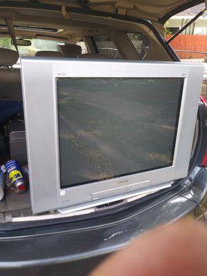 SONY KD27fFS170 Trinitron CRT Retro GAMING TV Manufactured 2006 With Remote for Sale in Dallas, TX