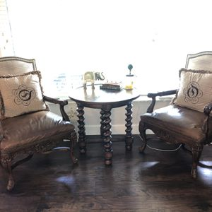 Real Wood Table And Chairs for Sale in Pompano Beach, FL