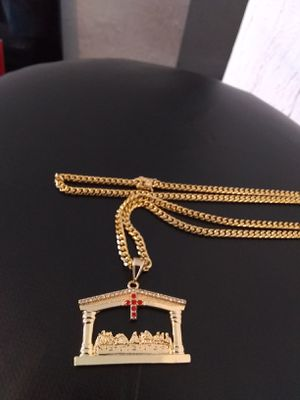 $70.......14k gold plated Cuban link chain and piece set..... Shipping 🛫✈️🛬 and delivery🚗💭💭 for Sale in Fort Lauderdale, FL