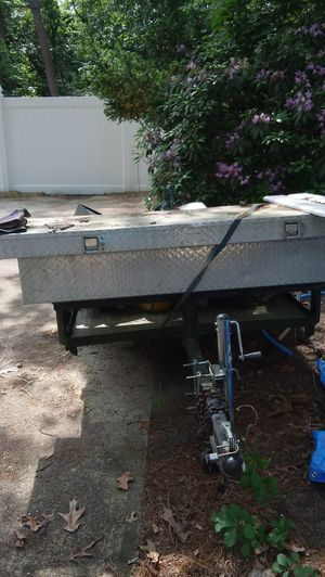 UTILITY TRAILER 4X8 GALVANIZED FLOOR AND WORK BOX LIGHTS WORK EASY LOAD THIRD WHEEL for Sale in Medford Lakes, NJ