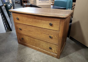 Nice Vintage Three Drawer Tiger Oak Dresser - Delivery Available for Sale in Tacoma, WA