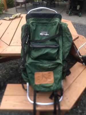JansSport 80L with hip adjustment for Sale in Camano, WA
