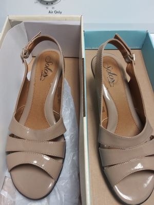 Beige low heels for Sale in Lithia Springs, GA