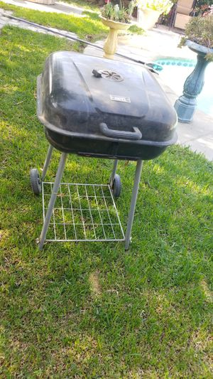 Bbq grill charcoal only for Sale in Fontana, CA