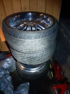 22 inches tires and rims and they are 5 lugs for Sale in Kelso, WA