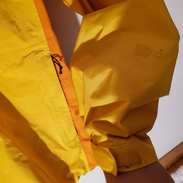 Patagonia Men's H2No Torrenshell Rain Jacket (L)