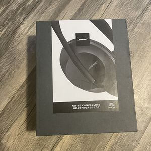 Bose 700 Noise Cancelling Headphones for Sale in Los Angeles, CA