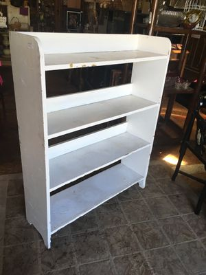 White shelf plant stand bookcase for Sale in San Diego, CA
