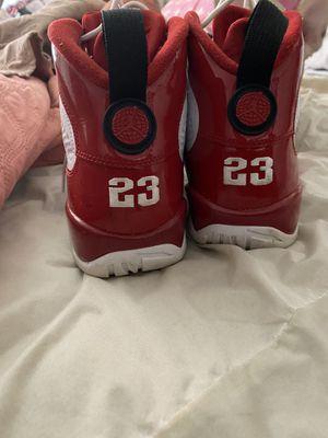Jordan size 9/half for Sale in Richmond, VA