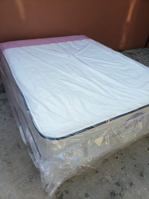 NEW QUEEN MATTRESS AND BOX SPRING SET2PC. for Sale in Lake Worth, FL