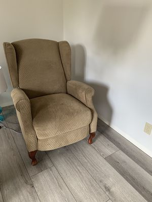 Reclining chair in great condition **$20 for Sale in Kirkland, WA