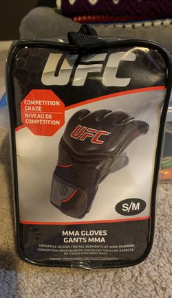 New UFC MMA Gloves S/M for Sale in Santee,  CA