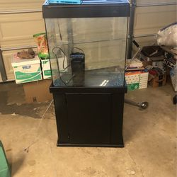 30 Gallon Fish Or Reptile Tank for Sale in Placentia,  CA