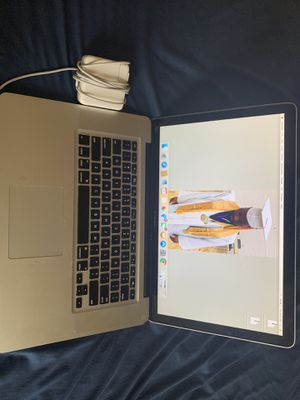 MacBook 2009 Pro 15-Inch LED-Backlit Widescreen Notebook for Sale in St. Louis, MO