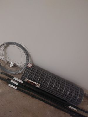 100ft Fencing/ wires / stakes !! for Sale in San Angelo, TX