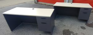 Office desk for Sale in Columbus, OH