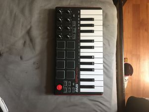 Akai Midi Keyboard for sale | Only 3 left at -70%