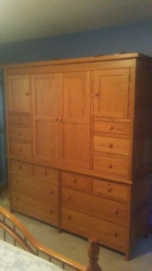 Entertainment Center (Amish Made) for Sale in Saginaw, MI