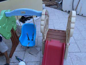 Little tikes swing and slide set for Sale in Deerfield Beach, FL
