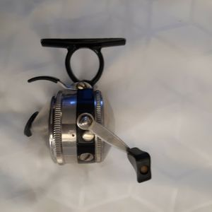 Zebco 44 FISHING REEL. LIGHTLY USED for Sale in SeaTac, WA