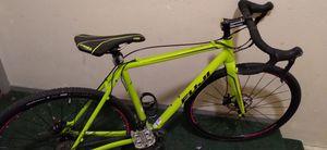 Fuji one.5 Cross bike with disc brakes Medium 19.5 inch frame for Sale in Brisbane, CA