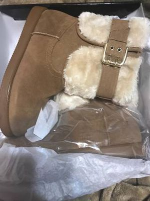 Size 8 G by Guess Winter Boots for Sale in Dumfries, VA