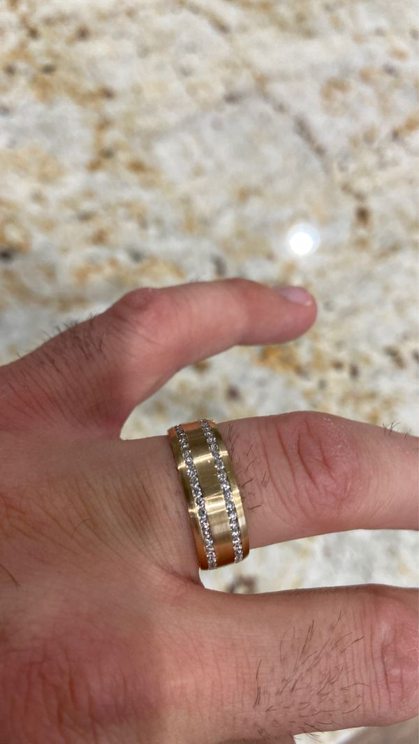 14kt Men's wedding band with diamonds