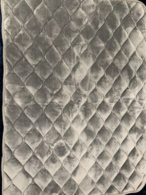 Dog mat for crate gray for Sale in Torrance, CA