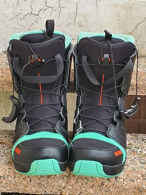 Salomon Snowboots for Man size 10.5 for Sale in Alhambra, CA