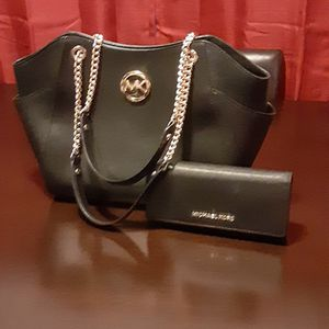 MK ORIGINAL PURSE AND WALLET for Sale in Fontana, CA