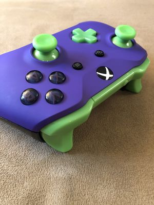 """The Joker!"" Custom Xbox One Wireless Controller! for Sale in Corona, CA"